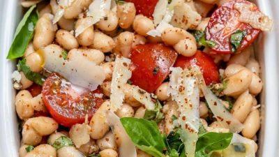 Салат из белой фасоли с помидорами черри ⠀
