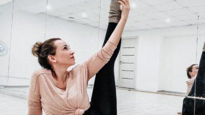 Анфиса Чехова усердно занимается спортом ради идеальной фигуры