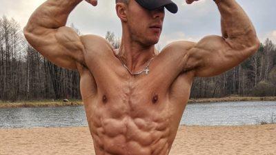 Пожарник из Беларуси стал звездой Интернета из-за своих горячих фото