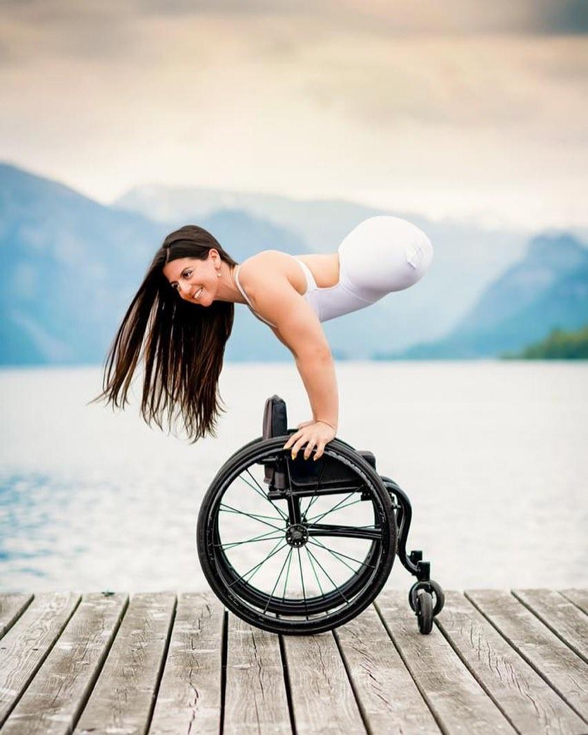Воздушная гимнастка, которая восхищает своей силой воли