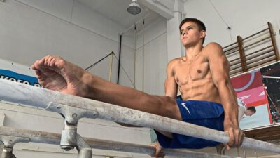 Андрей Абдуллин — 16-летний гимнаст из Челябинска, вот это правильное поколение растет