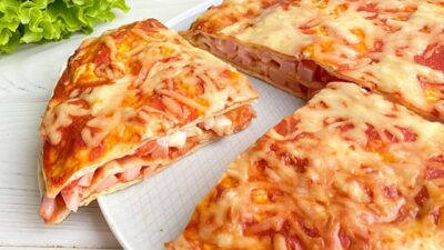 Закрытыя пицца на лаваше
