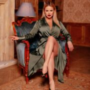 Анна Семенович активно худеет и занимается спортом для достижения идеальной фигуры